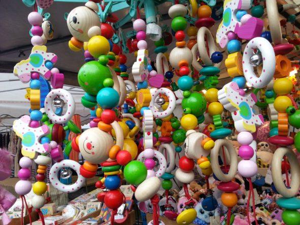 Kalter Markt Holzspielzeugstand